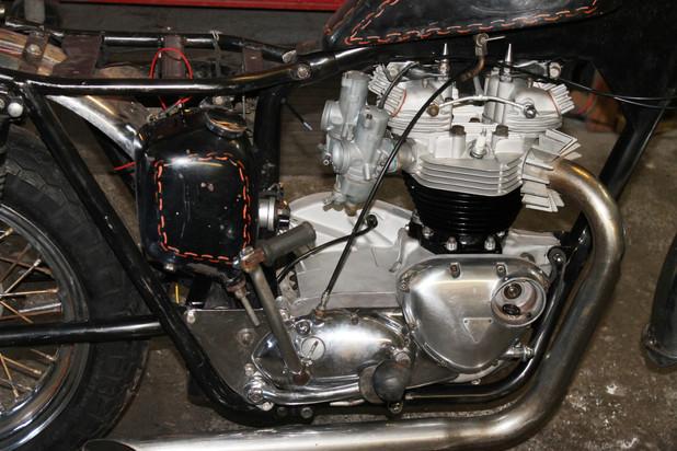 1960s-650-triumph-tr6r-motorcycle