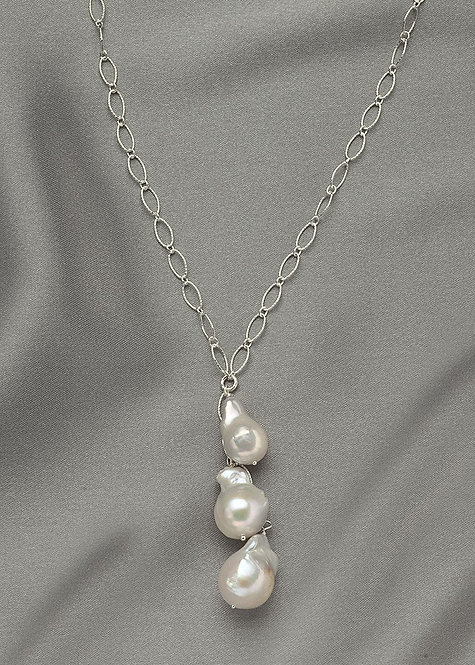 Graceful sterling silver chain with smaller baroque pearls