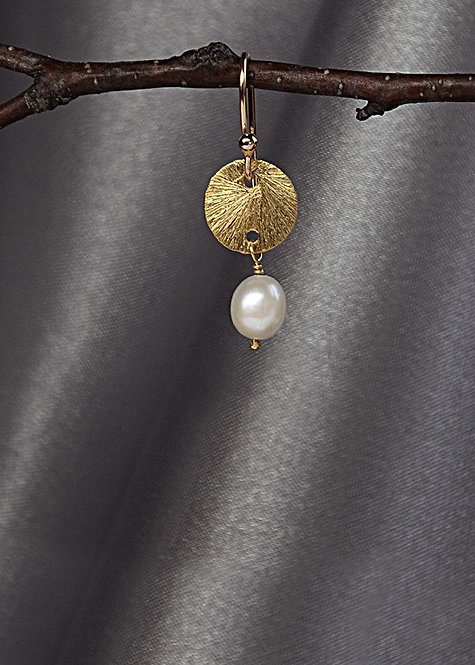 Vermeil 9mm disk, with pearl drop, 14k gold filled ear wire