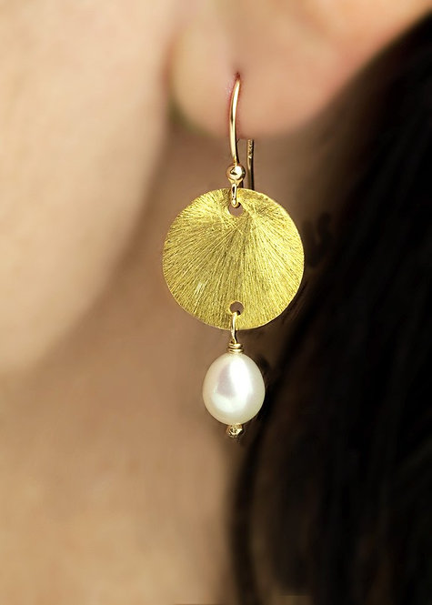 Vermeil 14mm disk with pearl drop, 14k gold filled ear wire