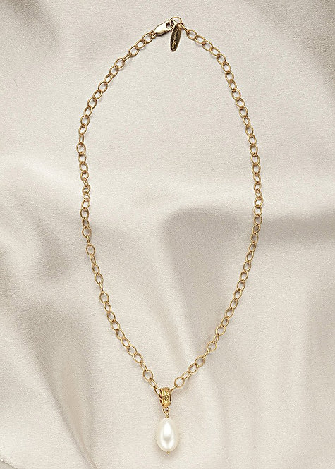 14 k gold filled chain, vermeil round connector with a beautiful pearl drop
