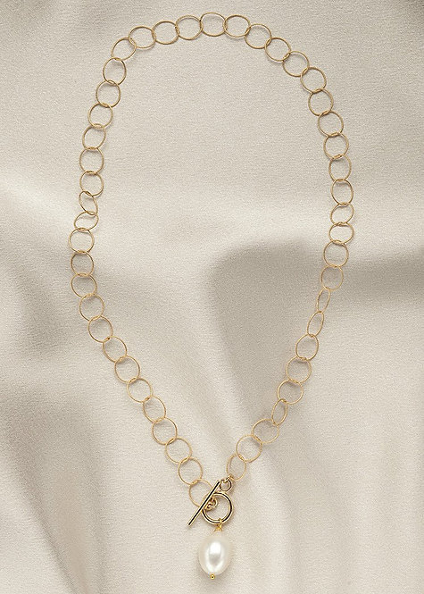 Lightweight,14k gold filled chain with front closing toggle clasp pearl drop