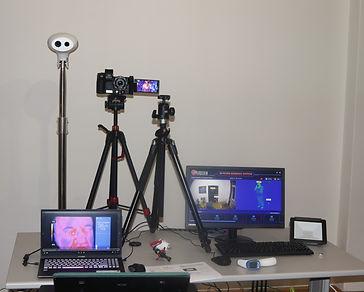 Několik infračervených kamer v IR studiu