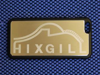 アルミ素材にレーザーでロゴを刻印しました。