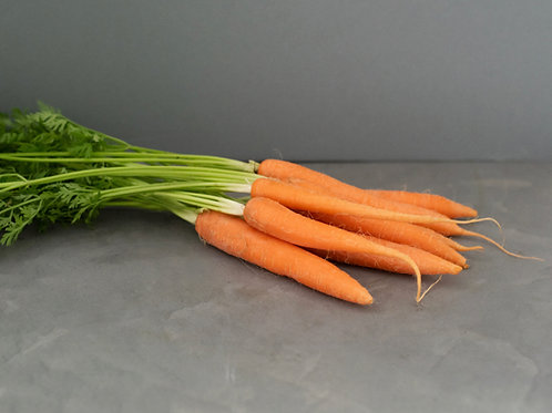 Leafy Carrots - £2.60/kg
