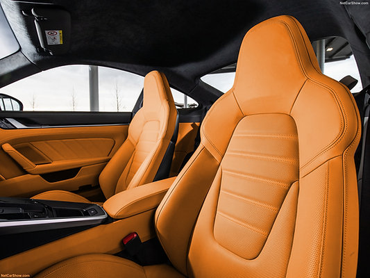 PORSCHE 992 GTR KEYVANY INDIVIDUAL LEATHER DESIGN COMPLETE REFINED INTERIEUR
