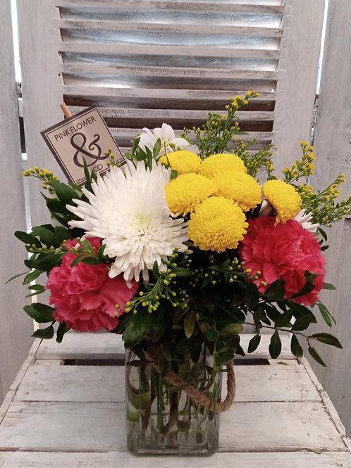 Arreglo de Flores en Jarra