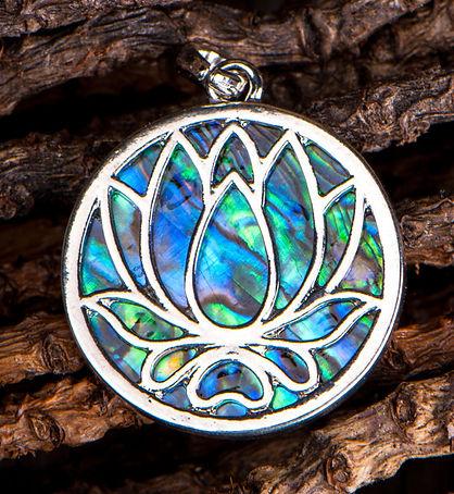Lotus OendantRhodium Imitates2.jpg