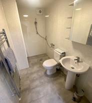 Fully tiled wet room