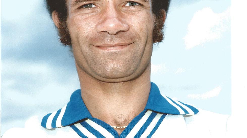 Leeds Legend Paul Reaney signed 10x8 colour photo