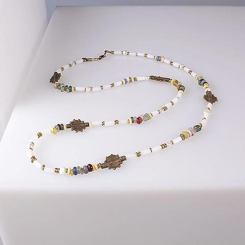 Amarula necklace white