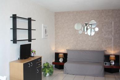 """F1 """" Les toits d'Annecy"""" 33m² + Place de parking privée. Prix 590€"""