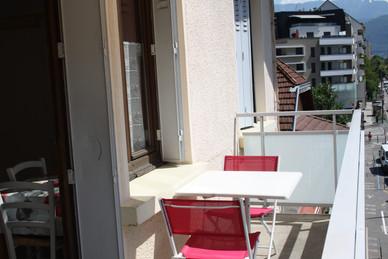 """T2 """"Le Pont Neuf""""32m² Grand balcon et chambre séparée. Prix 650€"""