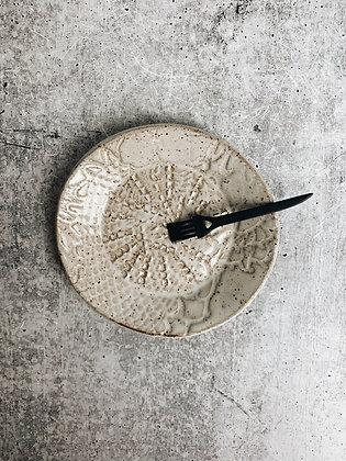 simple white lace garlic scraper