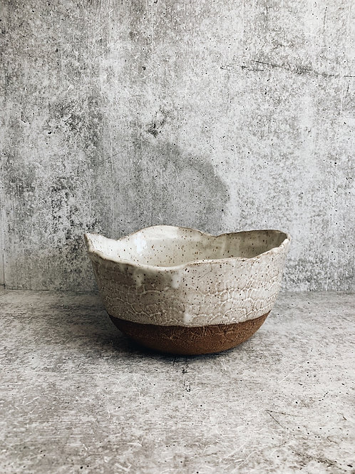 simple speckle lace bowl