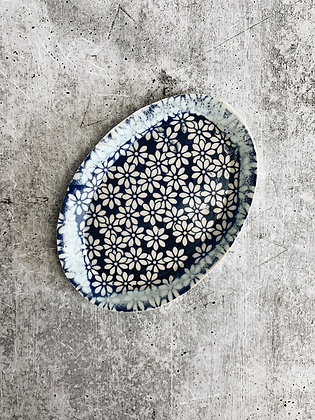 delicate daisy soap dish
