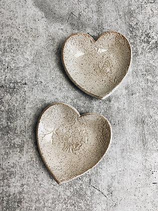 simple speckle meadow heart