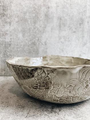 white wash lace larger bowl