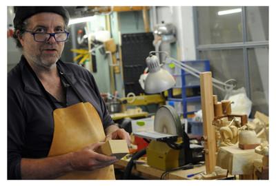 Geert Hautekiet in zijn atelier / in his workshop