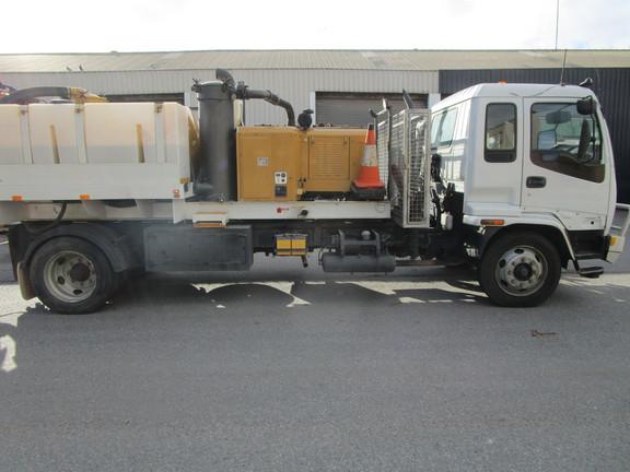vacuum truck hire adelaide.JPG