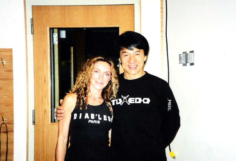 Jackie Chan y Sara Raya