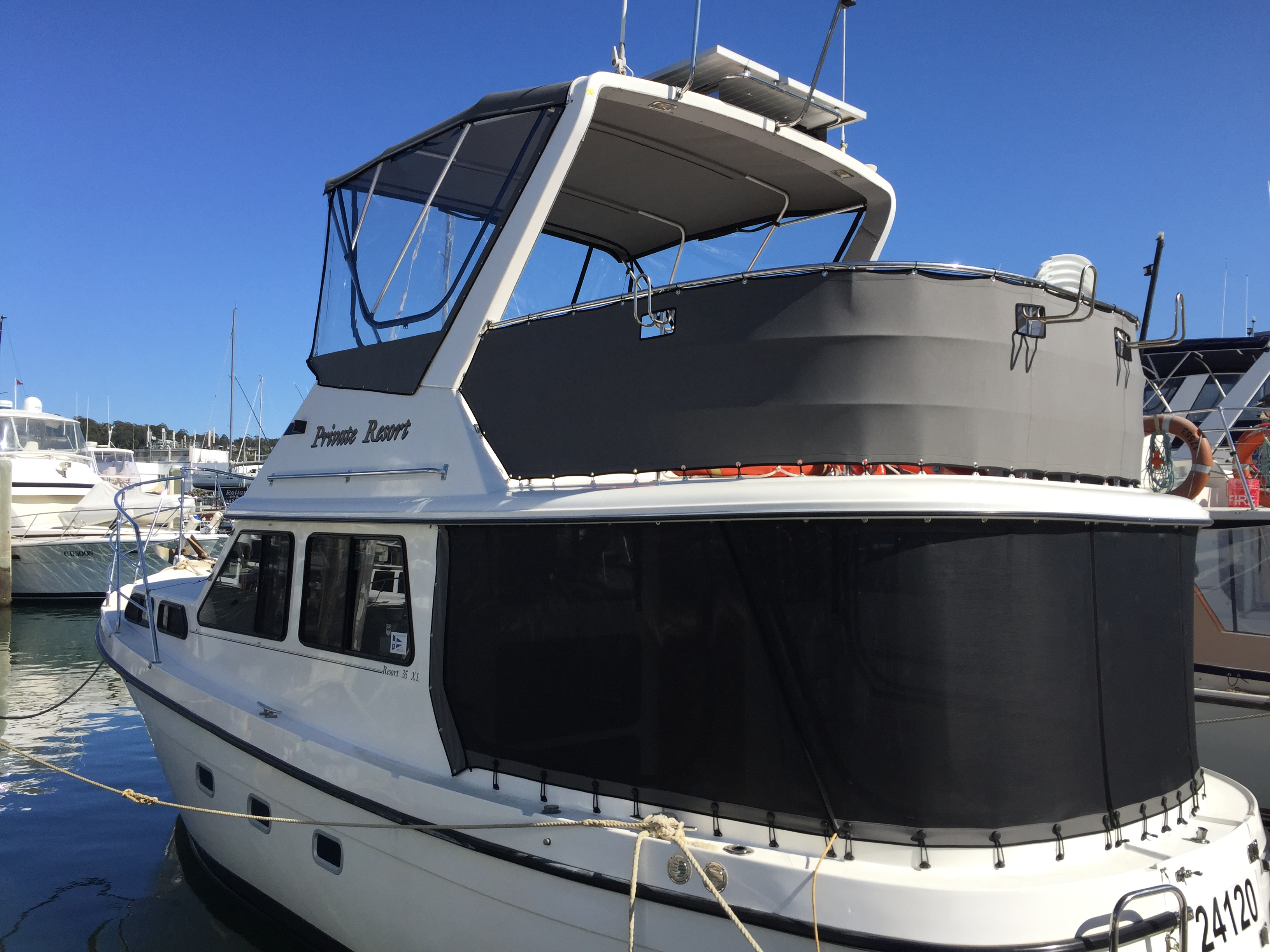 Flybridge Bimini & Clears, Windbreaks, Rear enclousure
