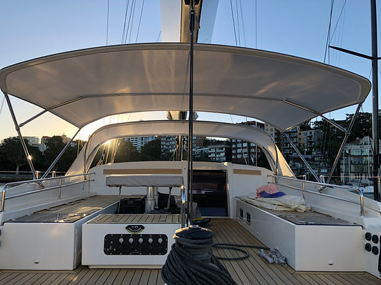 Beneteau six Bow Spray Dodger