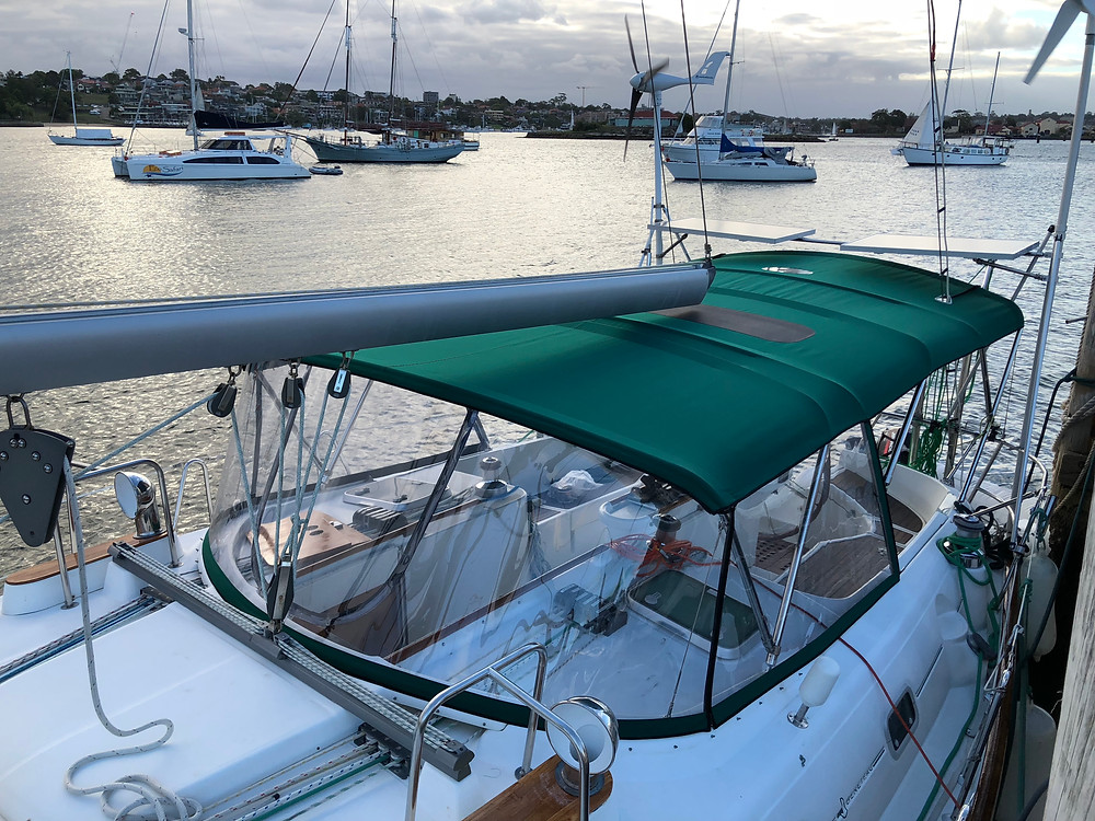 Beneteau Spray Dodger - Marine Trimming