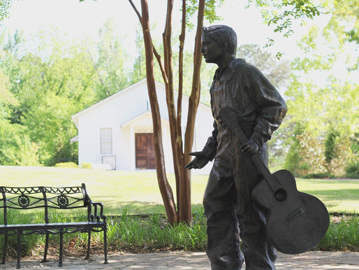 Fall in Love with Tupelo, Mississippi