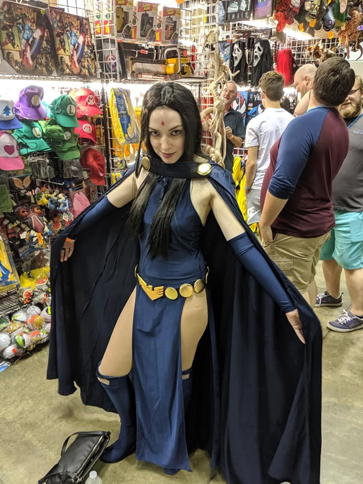 Cosplay of Raven from DC's Teen Titans