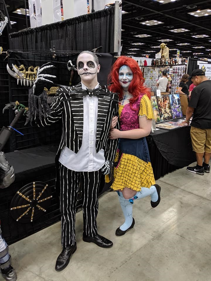 Cosplay of The Nightmare Before Christmas. Left: Jack Skellington. Right: Sally