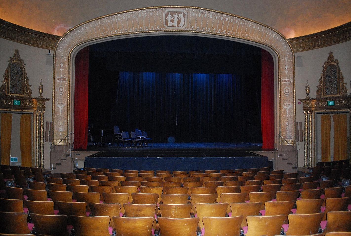 theatre-813305_1920.jpg