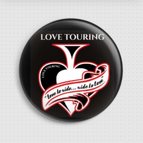 Spilla con logo Love Touring
