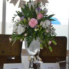 Table Arrangement in Glass
