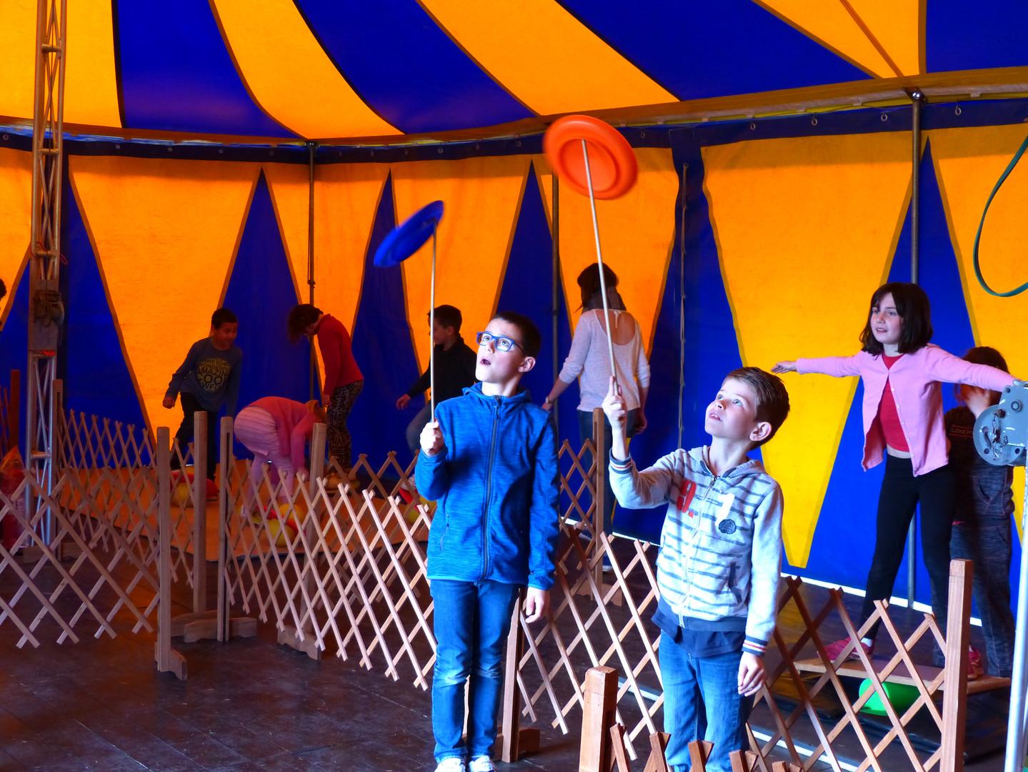 cours cirque ekimoz4.JPG