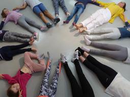 Yoga cercle enfants.jpg