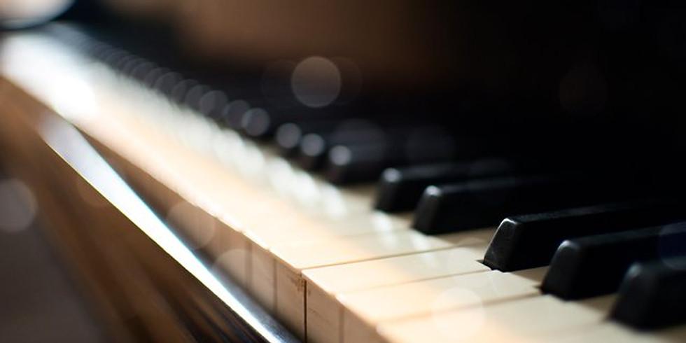 Iva Korgerová solo piano&vocal