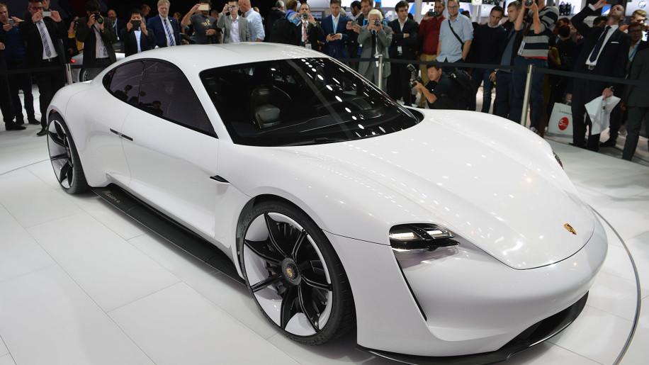 Porsche Mission E, Diamond Dan's