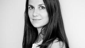 Interview w/ Carola Lovering!