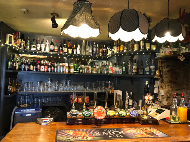 LondonInn_Molland_Exmoor_Bar.jpg
