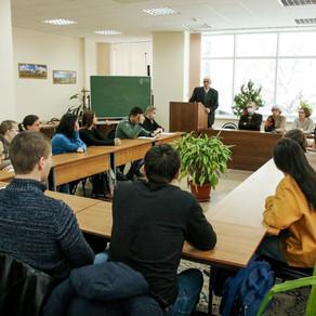 На историческом факультете АГУ прошёл круглый стол «Внешняя политика Петра I: окно в Европу»