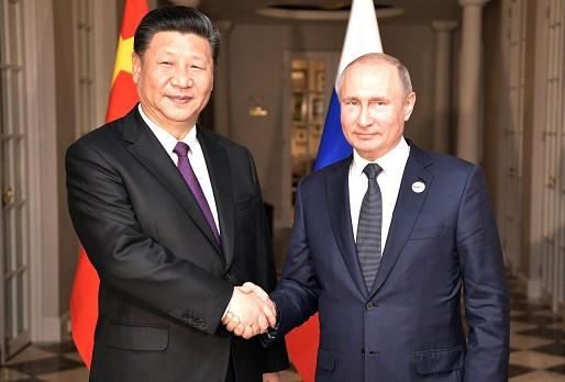 """Putin a Xi vytvářejí pevnější partnerství - má být urychleno """"odDollarizování"""""""