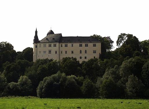 Rod Walderode má nárok na vrácení majetku v hodnotě 3 miliardy korun, nikdo neprověřoval archívy