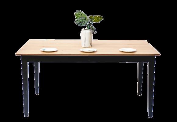 שולחן אוכל נפתח