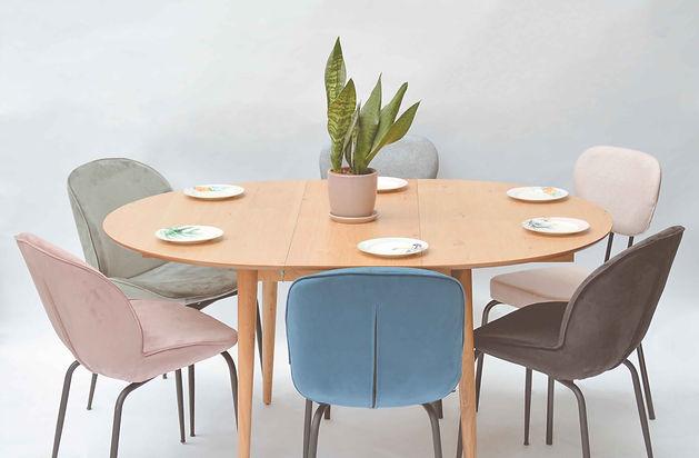 שולחן אוכל עגול נפתח.jpg