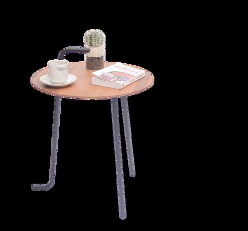 שולחן קפה לצד הספה