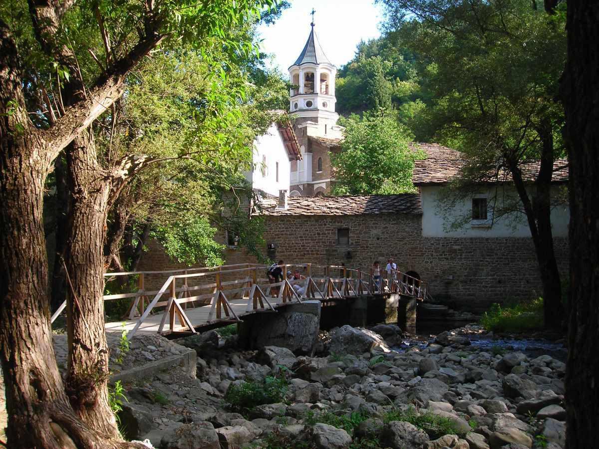 manastirea-Dryanovo.jpg