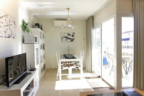 p2d-livingroom.jpg