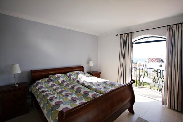 las-lilas-bedroom-1.jpg