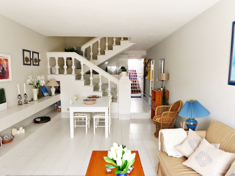 bv10-livingroom_.jpg